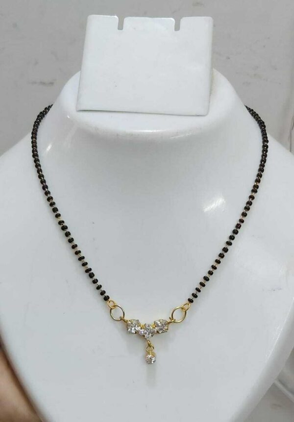 Boho Women Chain Pendant Choker Necklace Black Golden Jewelry Gift Light Weight