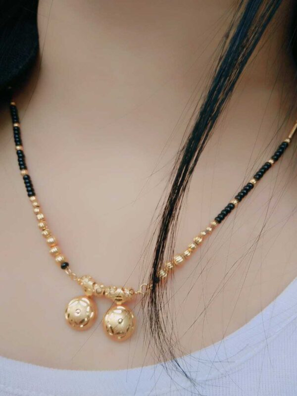 Boho Women Chain Pendant Choker Necklace Round Jewelry Gift